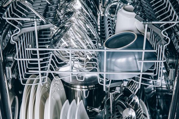ako vybrať umývačku riadu