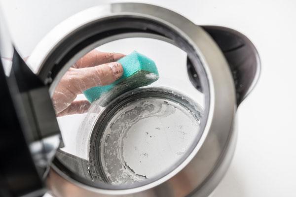 ako odstrániť vodný kameň tipy